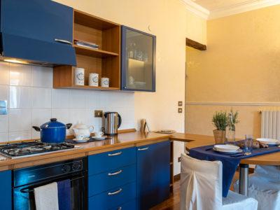 angolo cottura azzurro monolocale superior residence ferraud